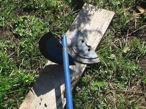 Шнековый бур для земляных работ садовым буром - как пробурить скважину на воду своими руками