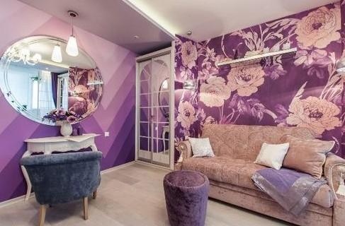Сиреневые обои для стен в интерьере комнат: на фото варианты дизайна и выбора штор