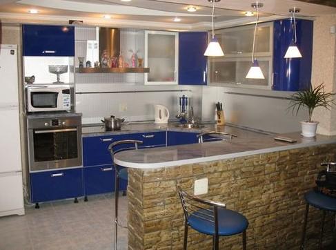 Создаем дизайн небольшой кухни совмещенной с гостиной комнатой