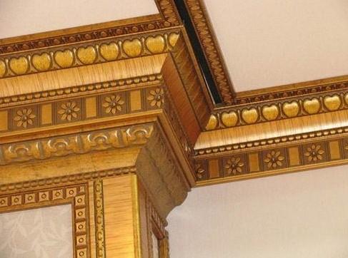 Установка и монтаж потолочного плинтуса (багета) своими руками: нарезка и крепление с последующей отделкой