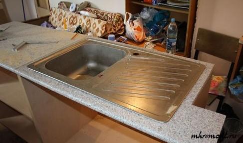 Установка мойки на кухне своими руками: интересно и полезно