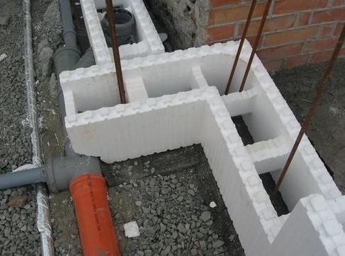 Утепление пенополистиролом: особенности применения в строительстве
